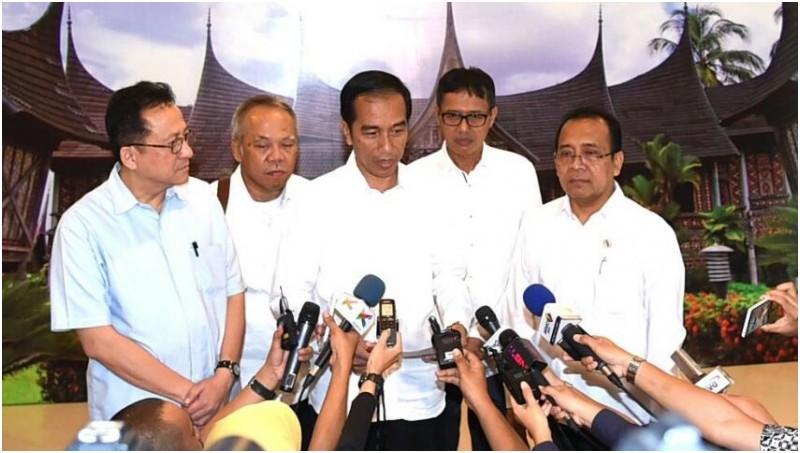 Presiden Jokowi saat berada di Hotel Grand Inna Muara, Padang