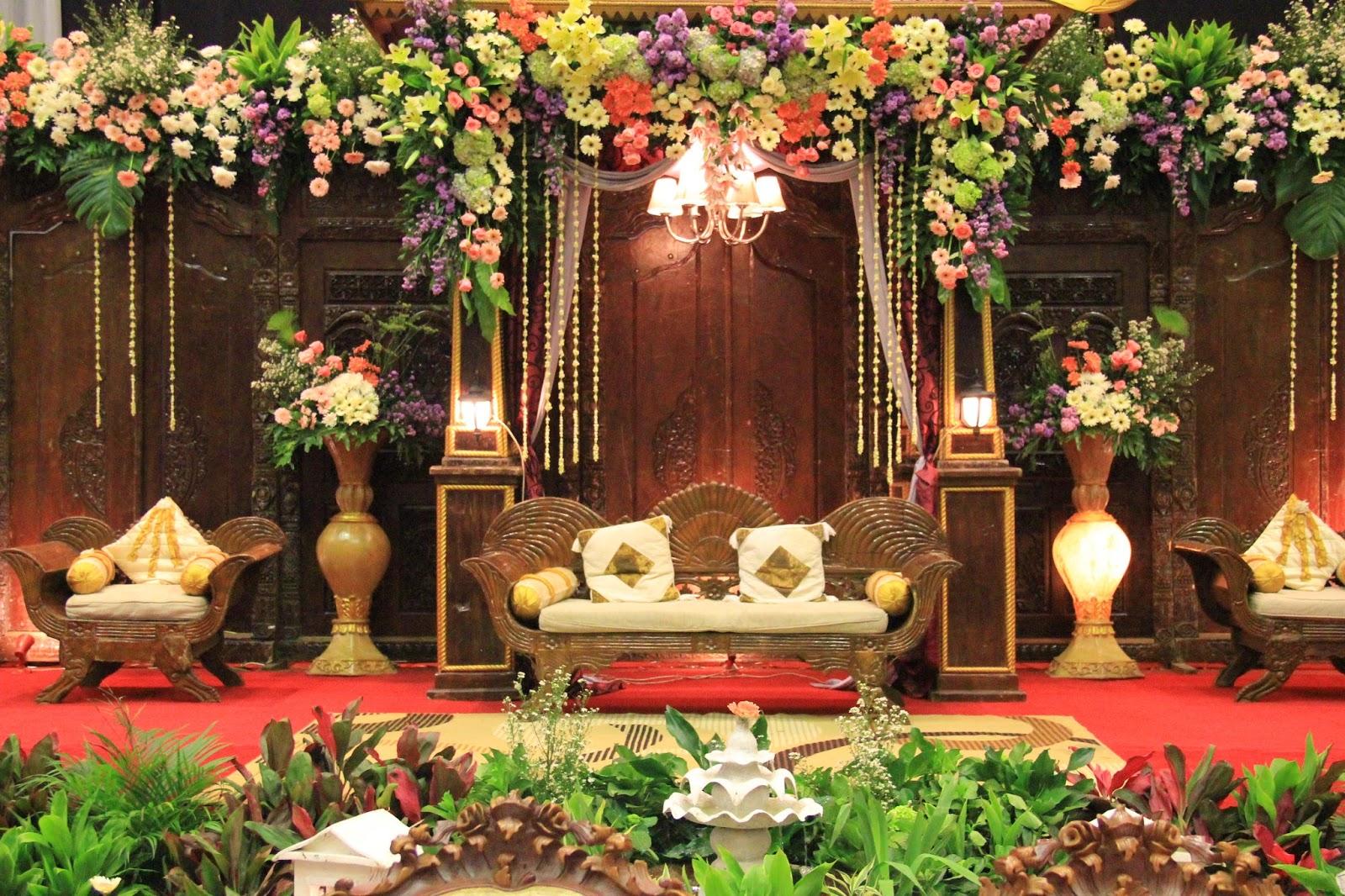 dekorasi tradisional