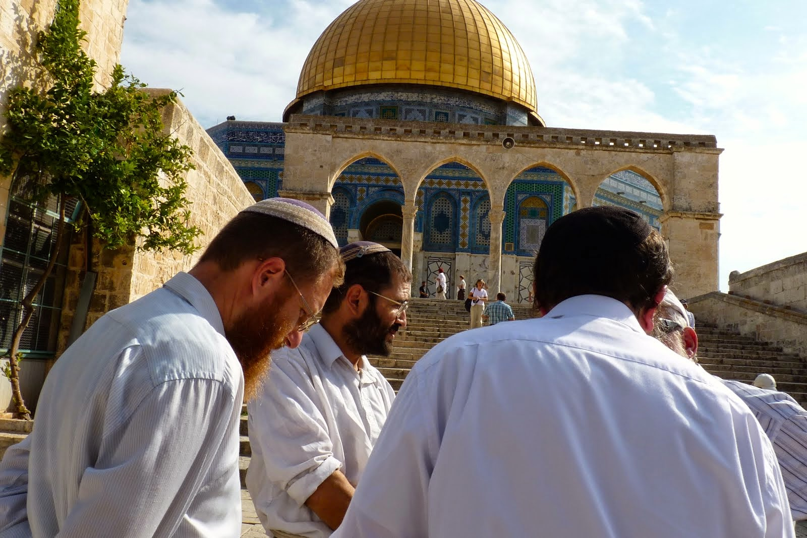 Jew Detector: Muslims Freaking Over Proposed Law To Allow Jews To Pray