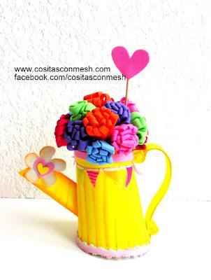 manualidades-regadera-con-flores-mamá