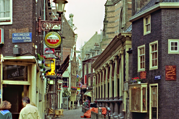 Amsterdam, Gravenstraat, © L. Gigout, 1990