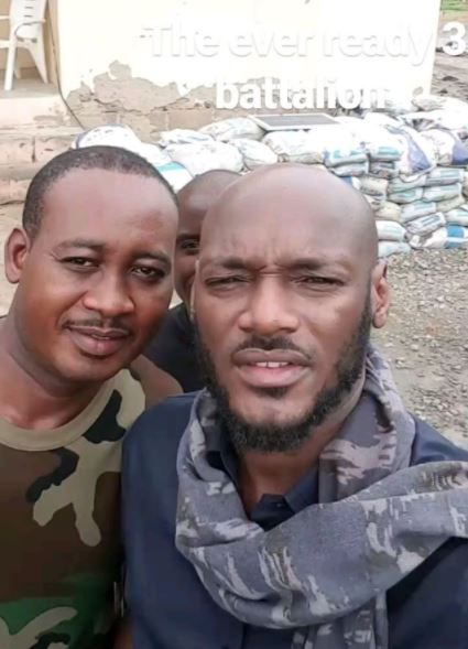Tuface-visits-soldiers-Internally-Displaced-Persons-in-Maiduguri-Borno
