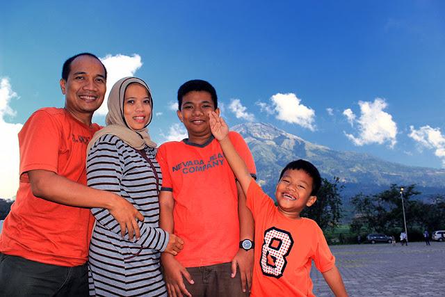 Menikmati keindahan rest area Kledung di Temanggung bersama keluarga