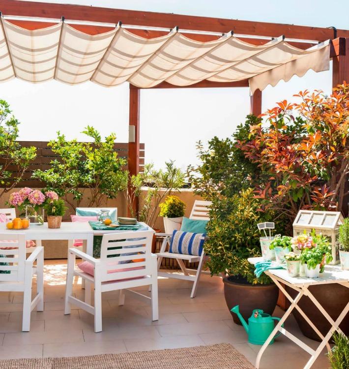 Decoraci n f cil terraza lowcost con muebles de ikea for Terrazas pequenas ikea