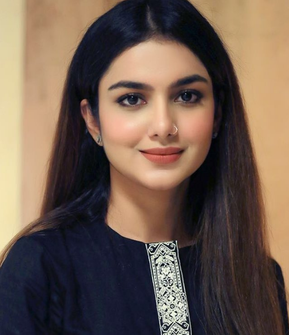 Syeda tuba Aamir Biography: Husband, age, pics, Wiki, Family