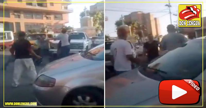Discusión por un lugar para comprar gasolina dejó a un señor herido a golpes