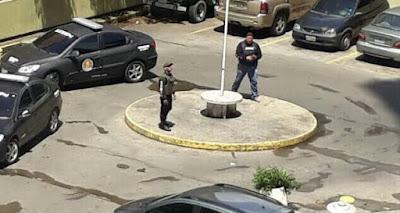 Funcionarios del Servicio Bolivariano de Inteligencia (Sebin) detuvieron a seis personas, incluyendo un menor de edad, que protestaban en El Paraíso, Caracas. El Nacional