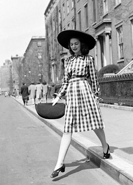 1940s Fashion: Mod Human Vintage: 1940s Street Style