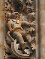 Astronauta en la fachada de la Universidad de Salamanca