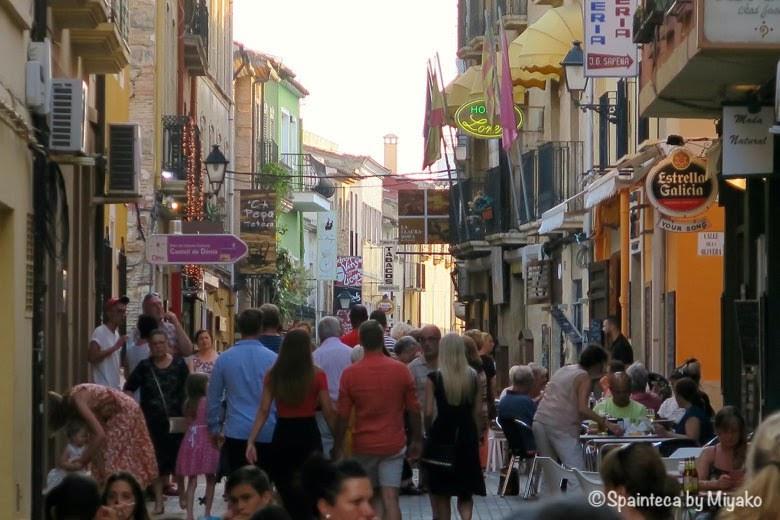 Calle Loreto Denia デニアのバル街で有名なロレト通りの様子