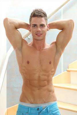 Super hot euro boy Lorenzo Gray