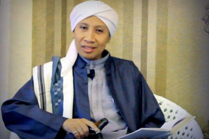 Buya Yahya: Hukuman Pelaku Homo Itu Dilempar Sampai Mati
