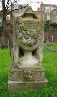 Casati's grave in London