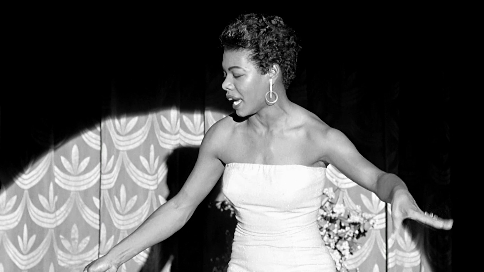 Maya-Angelou's-early-performances-in-the-Bay-Area