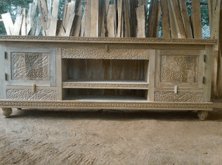 meja tv kayu minimalis