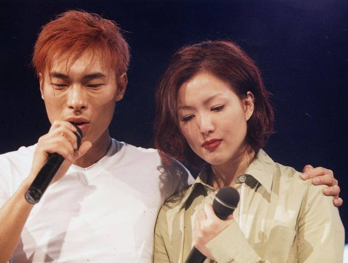 'Sorry, Sammi': HK singer Andy Hui apologises after he was caught cheating on pop star wife.