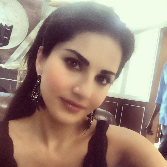 on set of @kklhthefilm fun stuff!!, Sunny Leone Selfie Images - Latest Hot Real Life Pics of Adult Star Sunny Leone