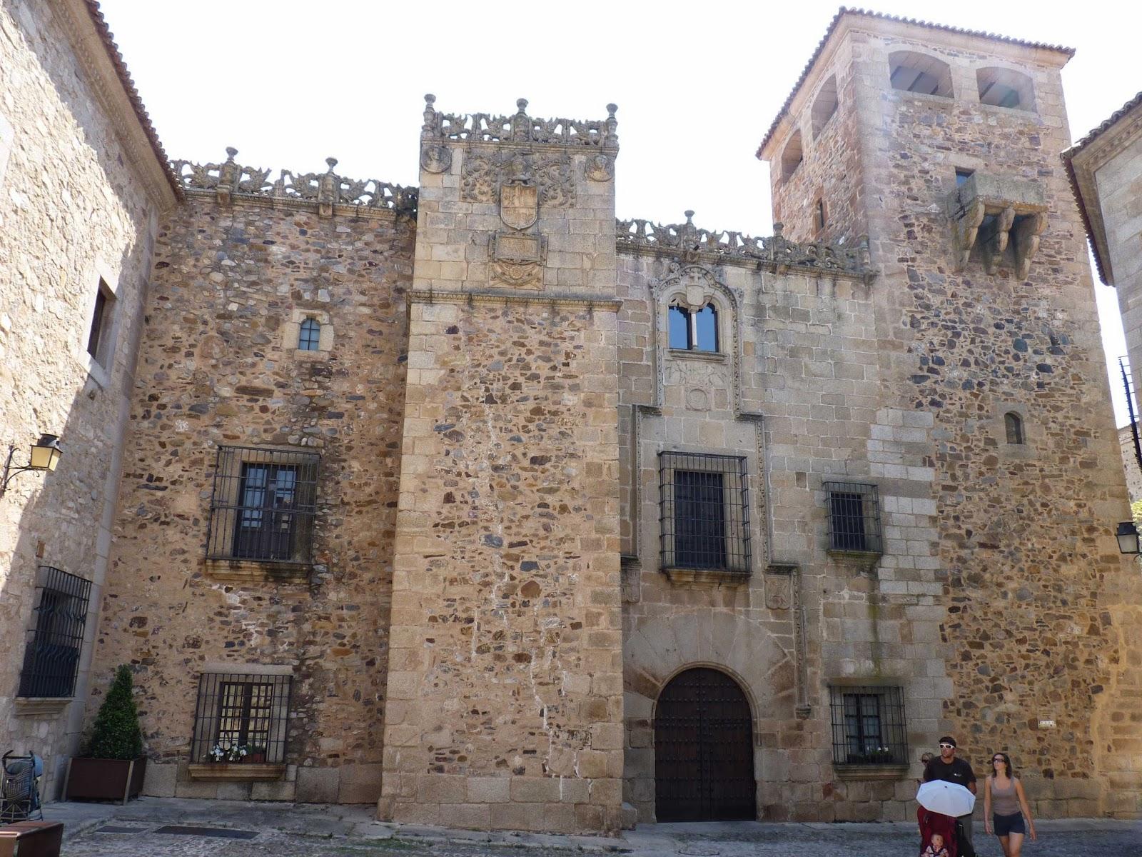 Cáceres, Plaza de San Jorge, Palacio de los Golfines de Abajo.