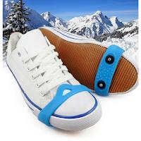 Des crampons pour chaussures afin de marcher sur la glace.