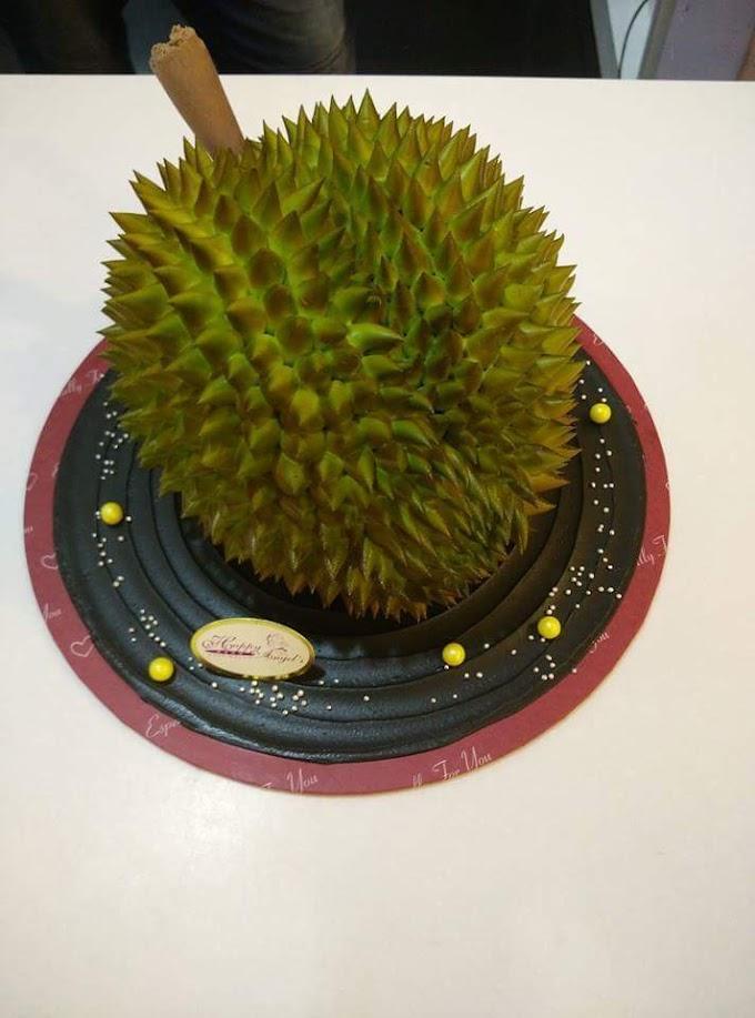 Durian Ke Kek Berbentuk Durian ?