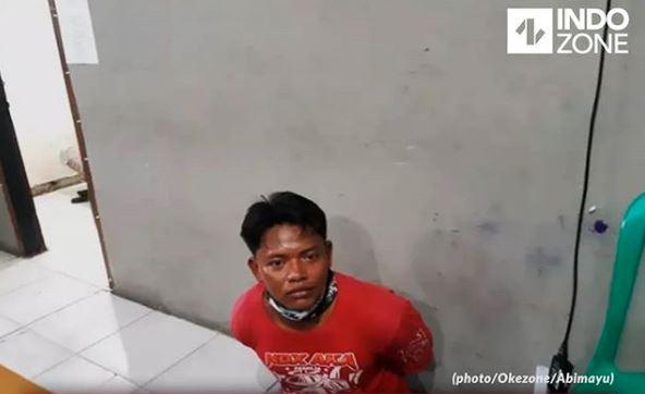 Pria Asal Jambi Digiring Ke Kantor Polisi Setelah Mengancam Polisi Yang Menilangnya Dengan Parang