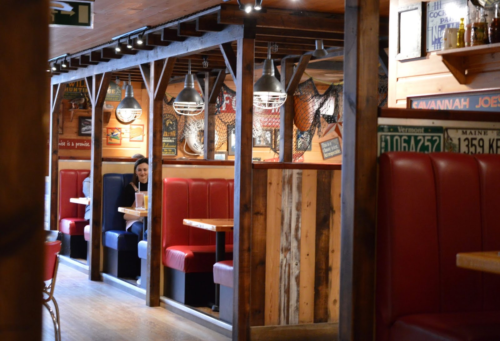 Dining with Kids in London | Bubba Gump Shrimp Leicester Square Review  - inside booth seating
