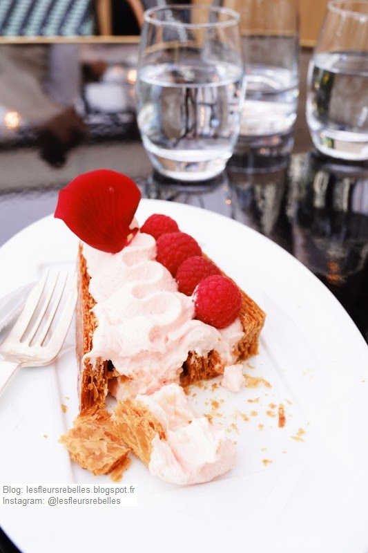 Dessert à l'assiette Millefeuille Ispahan coupé