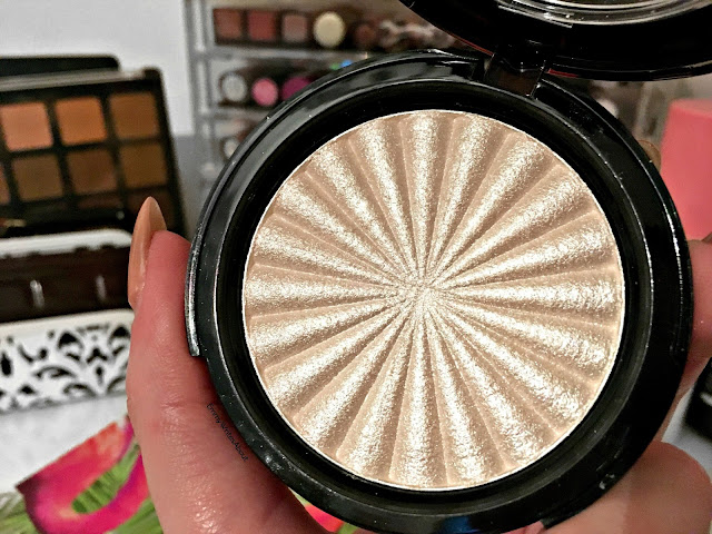 Ofra Glazed Donut Highlighter Review
