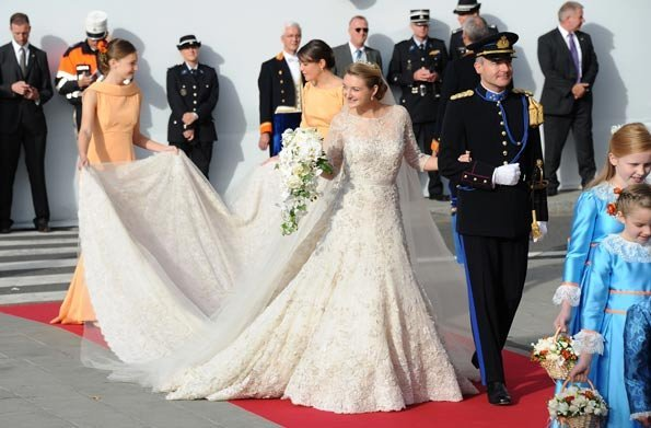 Belgian Countess Stephanie of Lannoy wed His Royal Highness Prince Guillame of Luxembourg at the Cathedral of Our Lady of Luxembourg