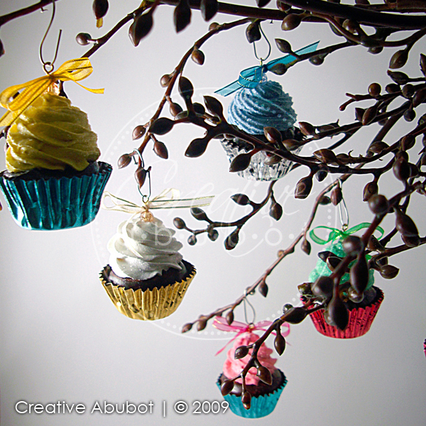 C For Cupcake Cupcakery: It's Begining To Look A Lot Like