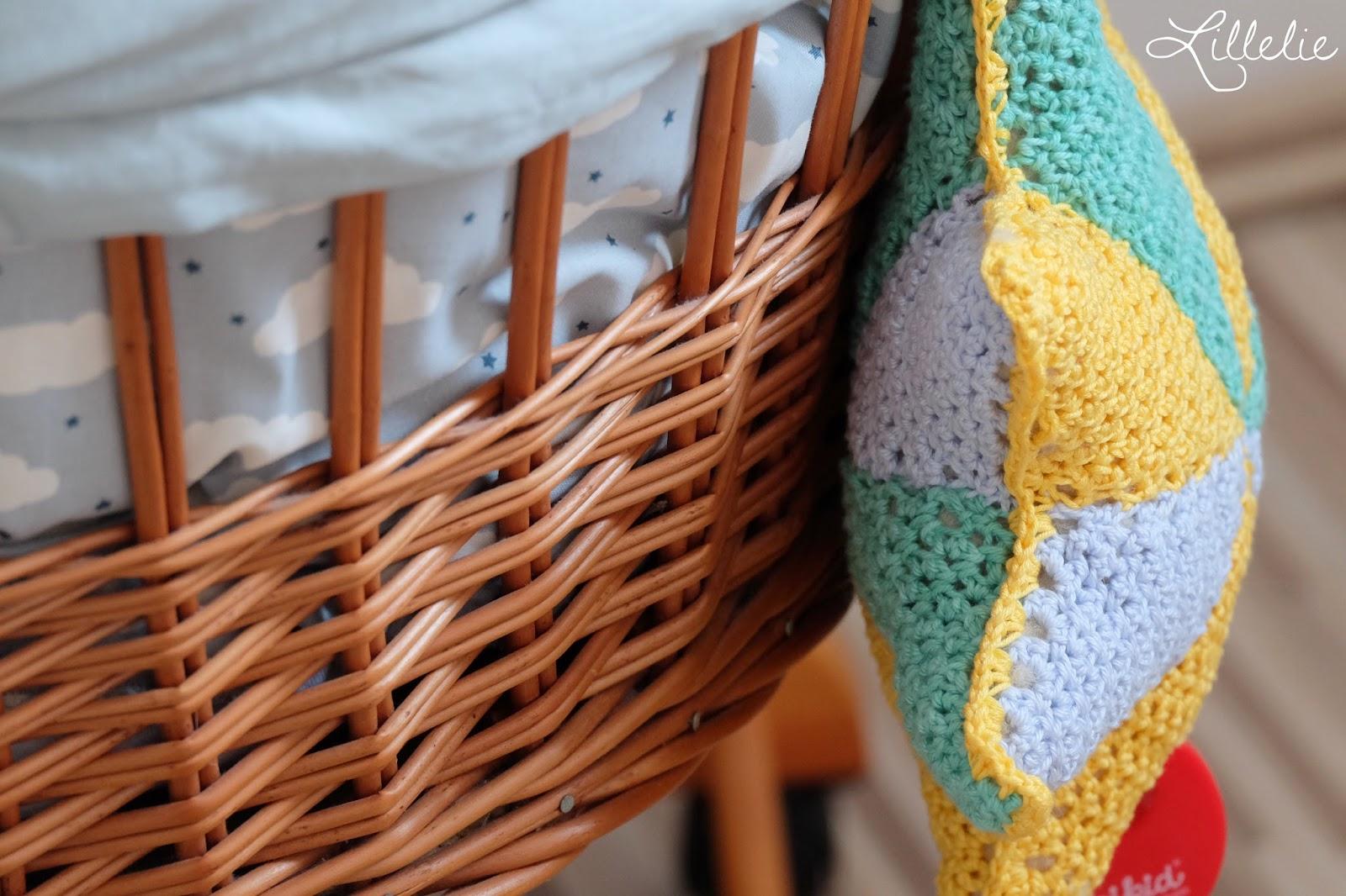 Lillelie kinderzimmer teil ein neues kleid für den stubenwagen