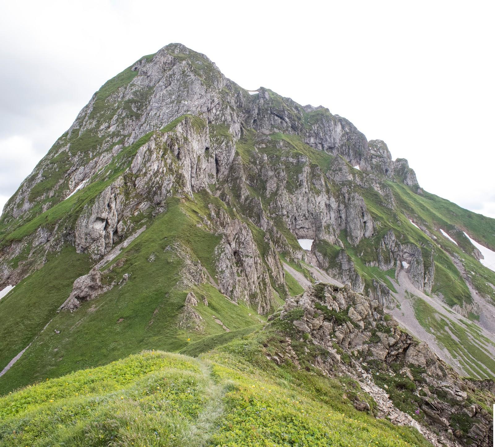 Zweitätige Rundwanderung von der Hirnalm über den Grete Klinger Steig zum Reichenstein und über Krumpenhals und Krumpensee wieder zurück zur Hirnalm.