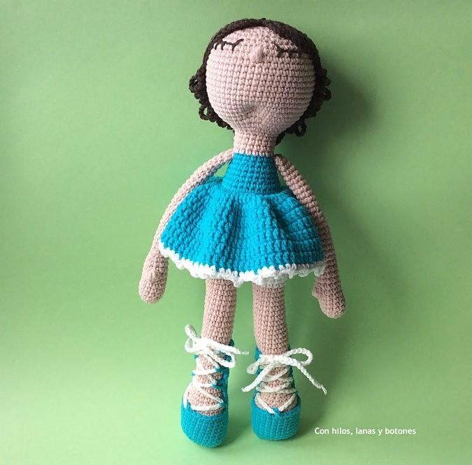 Con hilos, lanas y botones: Rosalía amigurumi turquesa