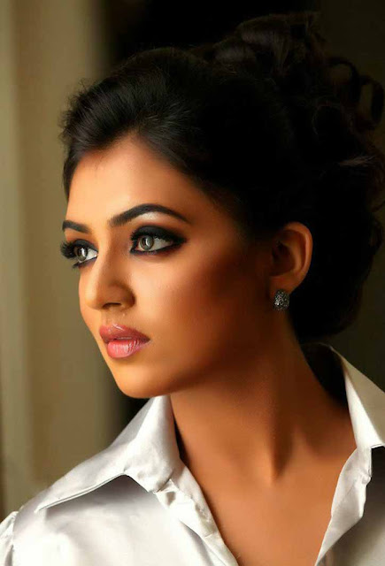 Nazriya Nazim Fahadh glamour photos