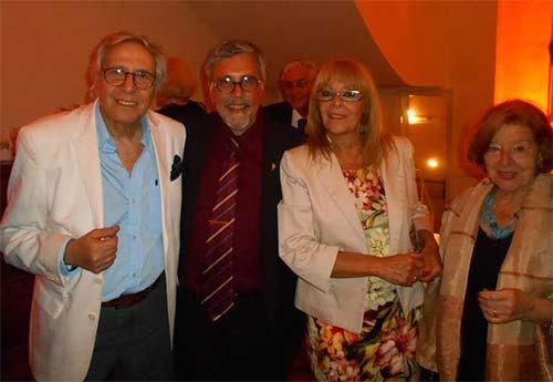Guillermo Pilía junto a Norberto Barleand, Lidia Vinciguerra y Graciela Maturo