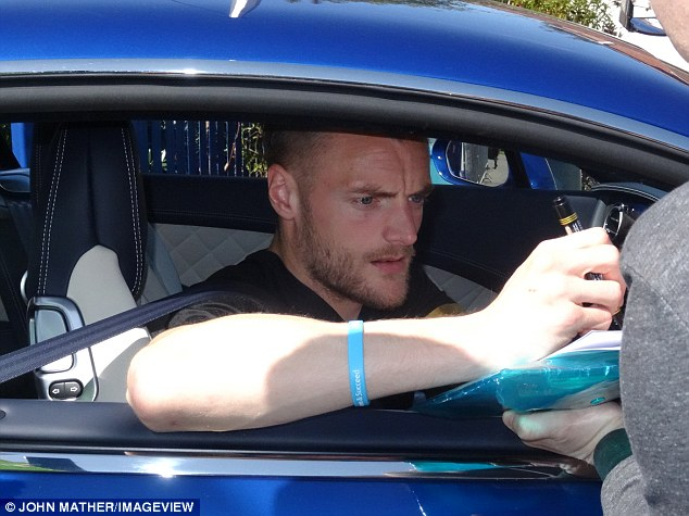 JAMIE VARDY DRIVES LEAVES TRAINING IN £168,000 BENTLEY  BAN