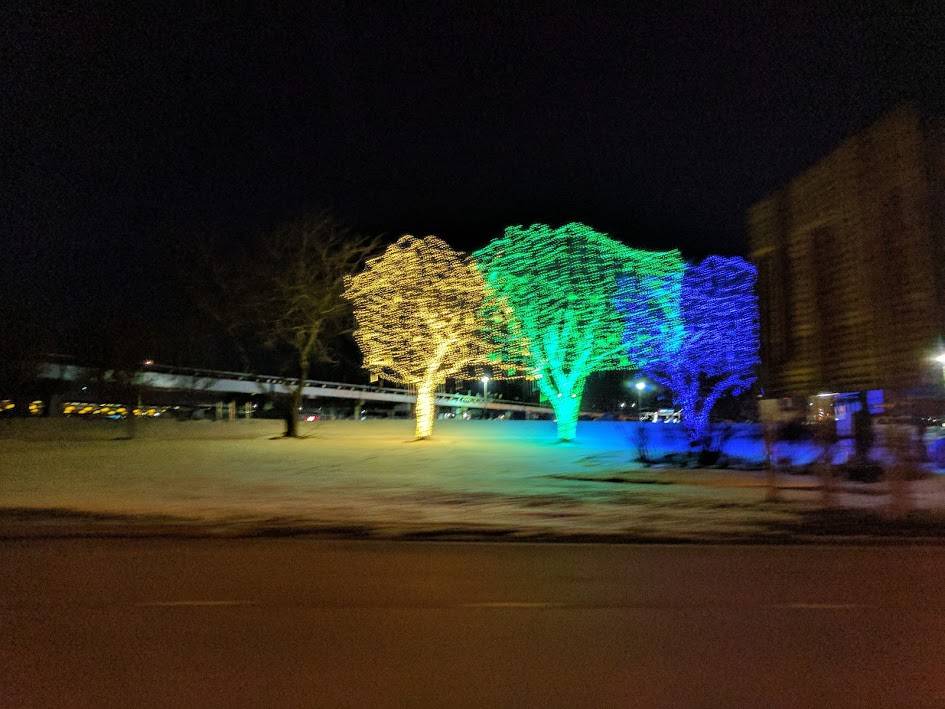 nice christmas lights at ohare airport in chicago