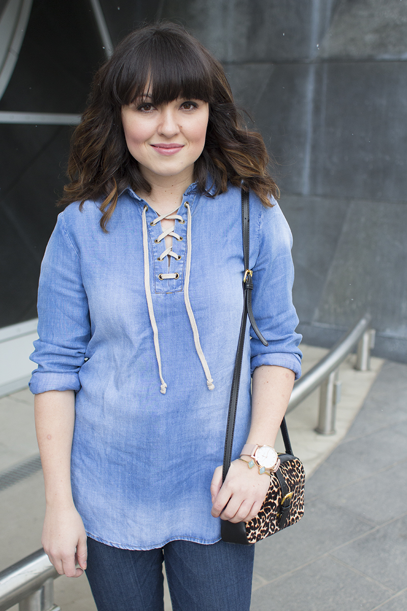 Spring trends: lace up shirts