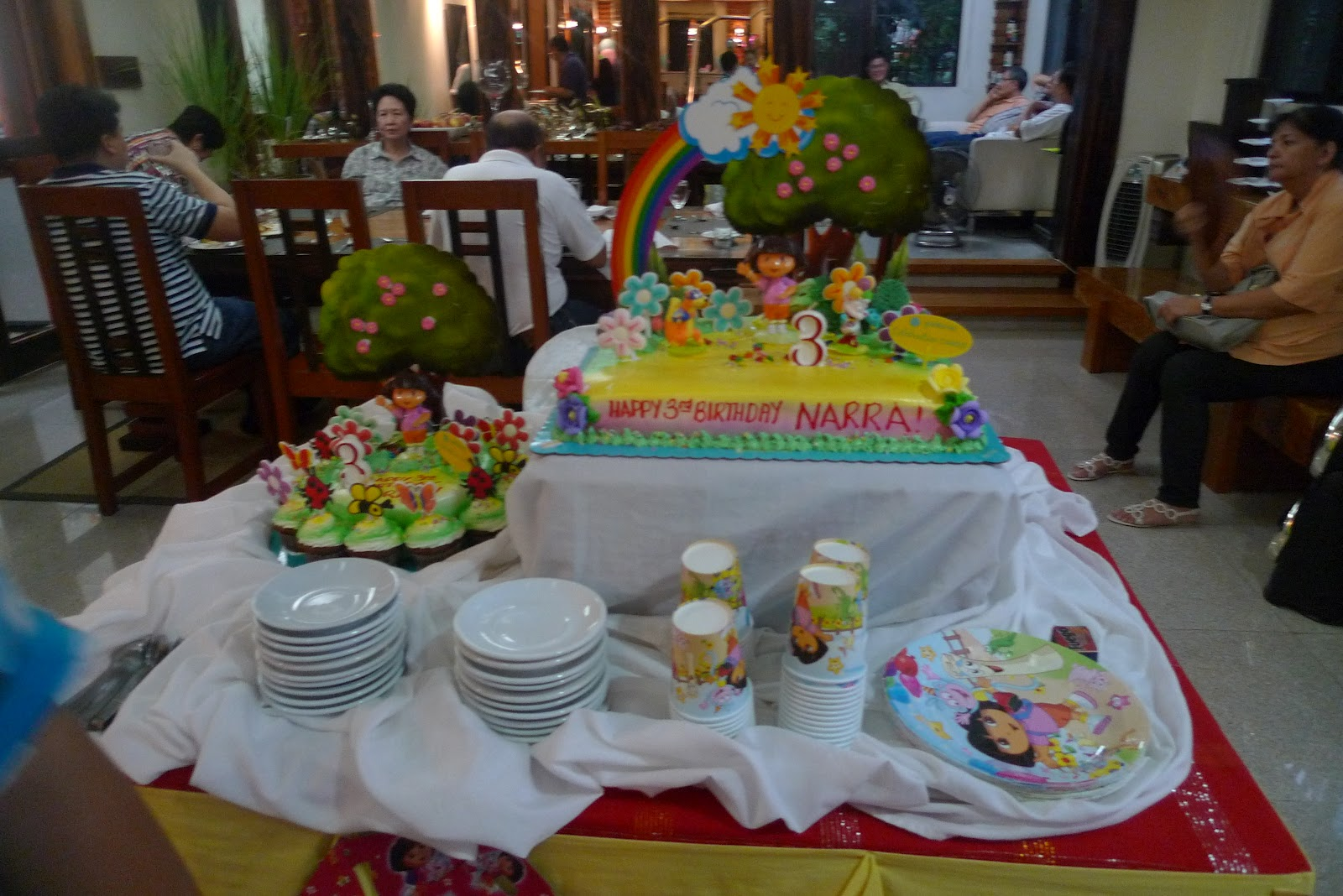 Narra S 2 Cakes From Goldilock Dora The Explorer Line