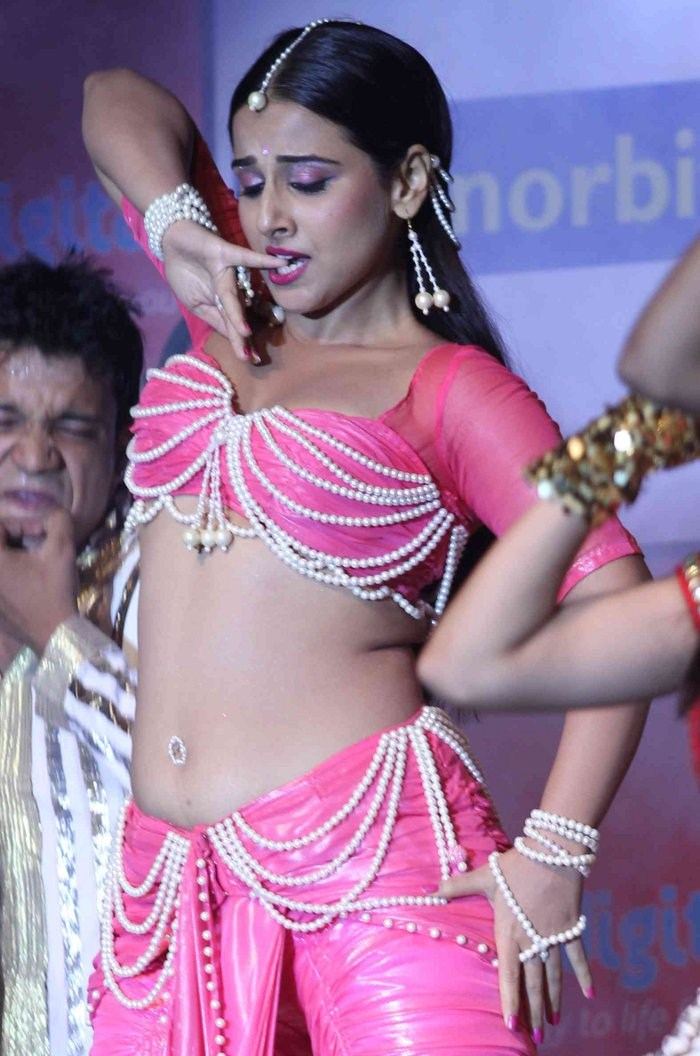 Vidya Balan Hot Stills At Dirty Picture Audio Launch, Vidya Balan Spicy Photos  Songs Hari-1062