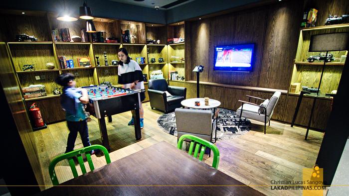 Pentahotel Hong Kong Game Room
