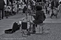 http://fineartfotografie.blogspot.de/2014/01/street-fotografie-in-schwarzwei-aus.html