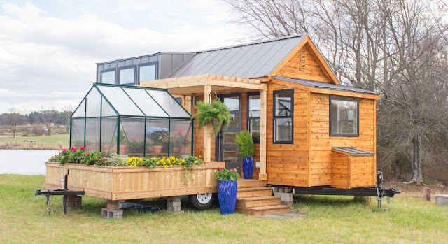 Elsa from Olive Nest Tiny Homes