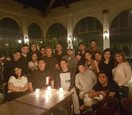 "LOOK: Angel Locsin Poses For A Photo With The Whole ""The General's Daughter"" Family"