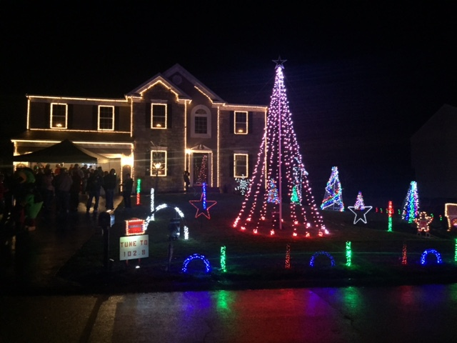 Overlys Christmas Lights.Pgh Momtourage Best Christmas Lights In The Burgh