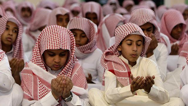 """Arabia Saudita prepara una """"vacuna"""" contra la occidentalización en las escuelas"""
