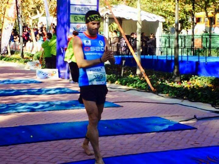 Foto de Santi Ruiz, entrada en meta Maratón de Castellón 2014