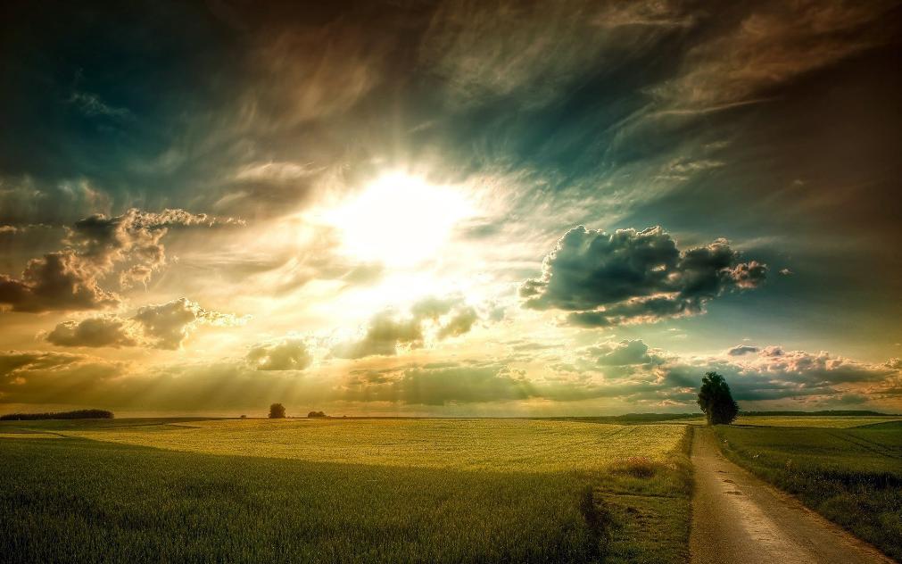 Meneladani Sifat Sifat Malaikat