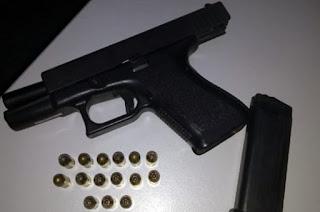http://vnoticia.com.br/noticia/2782-homem-e-detido-por-porte-ilegal-de-arma-de-fogo-no-centro-de-sfi