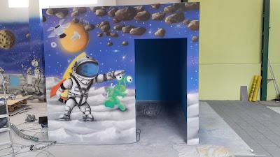 Malowanie ścian w sali zabaw, aranżacja bawialni, malowanie kolorowych obrazków dla dzieci w bawialni, graffiti 3d w bawialni